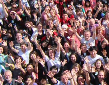 Quatro vezes por ano, estudantes de todo o mundo reúnem-se na Flórida...